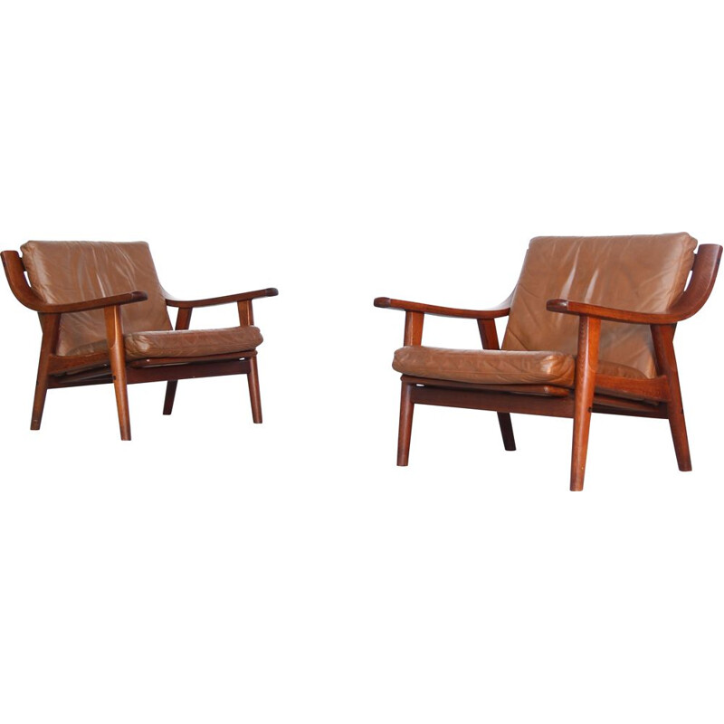 Vintage pair of Lounge Chairs GE-530  by Hans Wegner for Getama 1960s