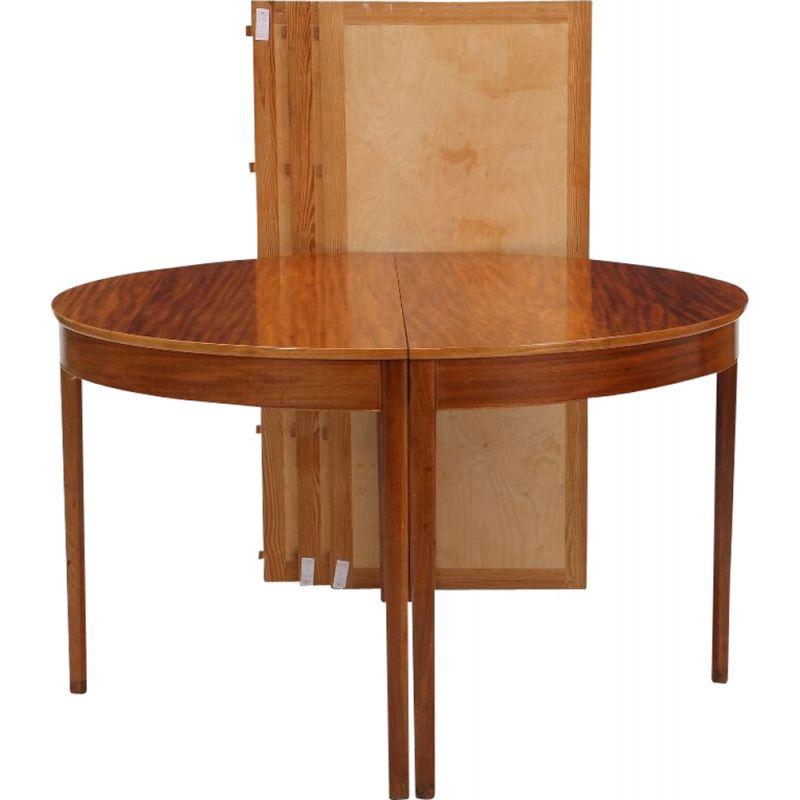 Vintage Circular dining table in mahogany by Ole Wanscher