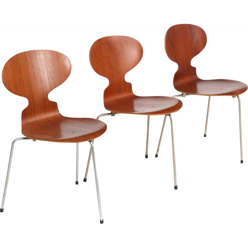 """Vintage """"Ant"""" chair with steel feet by Arne Jacobsen"""