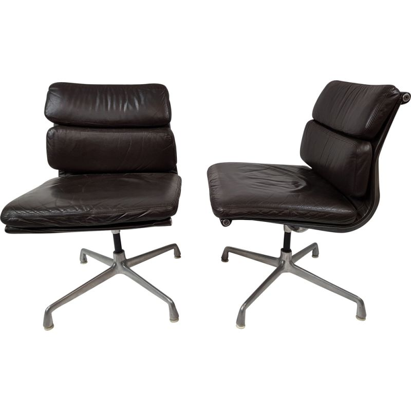 Vintage Soft Pad EA 205 office chair by Charles and Ray Eames for herman Miller, International Furniture