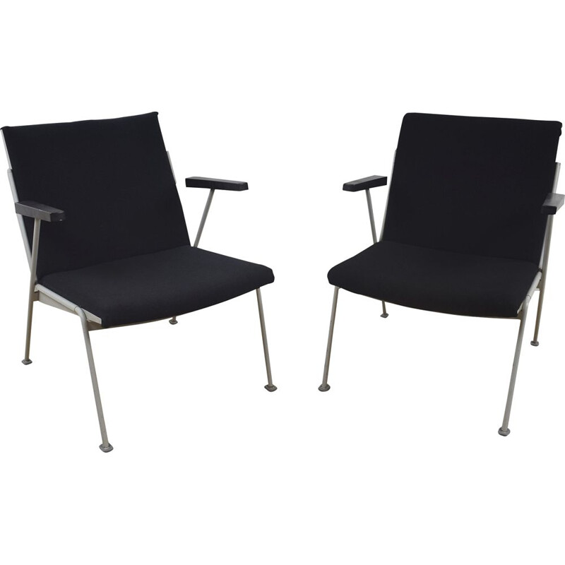 Vintage pair of black Oase lounge chairs by Wim Rietveld